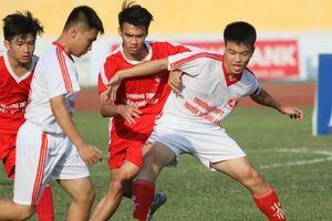 Đội nào đang sở hữu thành tích 'khủng' nhất giải bóng đá học sinh THPT Hà Nội?