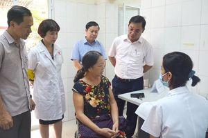 1.776 người trong bán kính 500 m quanh Công ty Rạng Đông được khám, tư vấn sức khỏe