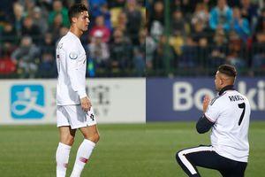 Fan cuồng vào sân quỳ trước mặt Ronaldo