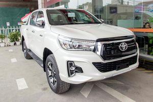 Sau Toyota Hilux, đến lượt Ranger, Colorado, Navara giảm giá