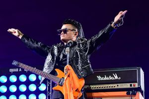Jack Ma hát rock, đẫm nước mắt trong tiệc chia tay đế chế Alibaba