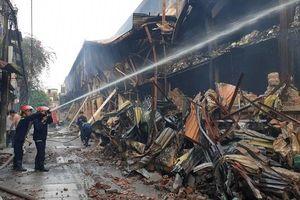 Về vụ cháy ở Công ty Rạng Đông: Cần làm rõ hành vi hủy hoại môi trường, che giấu thông tin