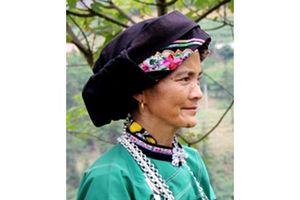 Nghệ nhân bảo tồn văn hóa truyền thống dân tộc Bố Y