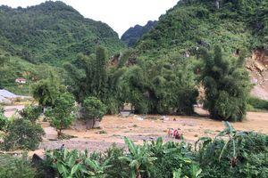 Nhiều trường học Hà Giang ngập lụt, HS không thể tới trường ngay đầu năm học