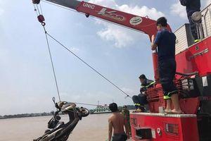 Vụ thi thể nhà báo nổi trên sông: Tìm thấy xe máy, trích xuất camera nhận định nguyên nhân ban đầu