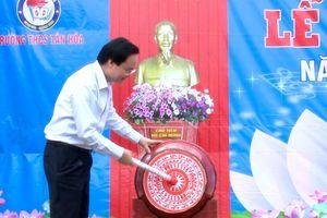 Bộ trưởng Bộ Giáo dục và Đào tạo dự lễ khai giảng tại 'rốn lũ' Quảng Bình
