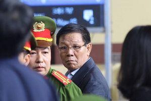 Khởi tố cựu tướng Phan Văn Vĩnh tội ra quyết định trái luật