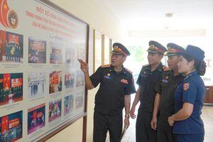 Samaki sĩ quan trẻ Việt - Lào