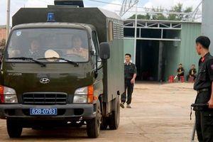 Đánh úp xưởng sản xuất ma túy 'cực khủng' của người Trung Quốc