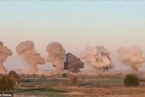 Cận cảnh chiến đấu cơ Mỹ hủy diệt kẻ thù bằng 40 tấn bom