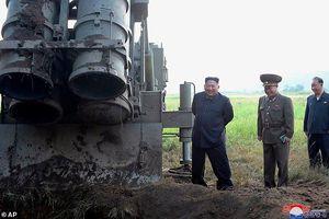 Cận cảnh vũ khí siêu khủng mà ông Kim Jong Un tung ra để khiến Mỹ phải xuống nước