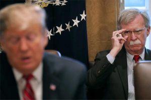 Ông Trump bất ngờ sa thải cố vấn an ninh quốc gia Mỹ