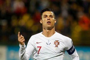 Ronaldo tạo kỷ lục mới khi ghi 4 bàn giúp Bồ Đào Nha thắng trận thứ 2 ở vòng loại Euro 2020