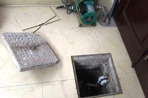 3 công nhân chết ngạt sau khi xuống thau dọn bể nước ngầm trong khách sạn