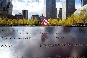 Nước Mỹ tổ chức hạ cờ, mặc niệm để tưởng nhớ các nạn nhân 11/9