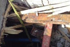 Tháo xong cốp pha tầng hầm khách sạn, 2 công nhân tử vong bất thường
