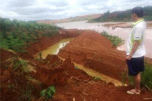 Sạt lở đất ở hồ thải quặng đuôi Nhà máy Alumin Nhân Cơ là do đào mương dẫn nước