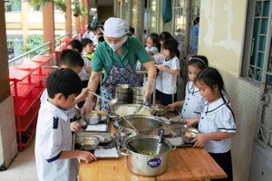 Nâng cao chất lượng bữa ăn bán trú tại Bắc Giang