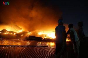 Binh chủng Hóa học đã sẵn sàng tẩy độc quanh kho cháy Rạng Đông