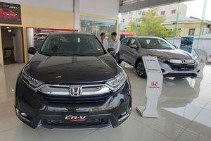Thị trường ô tô sụt giảm mạnh do ảnh hưởng tháng Ngâu