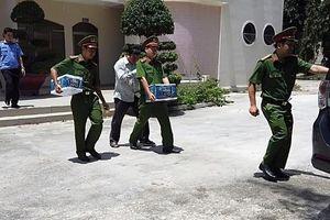 Một số hình ảnh khám xét, bắt giam phó chủ tịch TP Phan Thiết