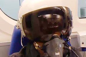 Bên trong phòng khám tuyển phi công quân sự Việt Nam