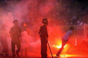 Bộ Văn hóa yêu cầu xử nghiêm BTC sân Hàng Đẫy sau vụ bắn pháo sáng