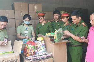 Thu giữ 50 tấn bánh Trung thu Trung Quốc nhập lậu