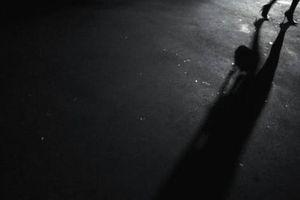 Cô gái hoảng sợ với lời ngọt ngào sau cùng của kẻ sát nhân
