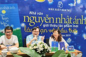 Nhà văn Nguyễn Nhật Ánh ra mắt 'Làm bạn với bầu trời'
