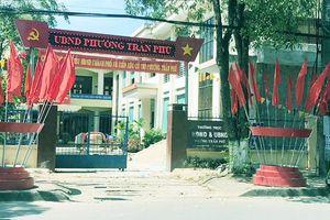 Bắt Phó phòng Nội vụ thành phố Quảng Ngãi