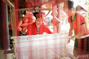 Tập trung các giải pháp cho nhân dân các dân tộc tỉnh Nghệ An hội nhập và phát triển