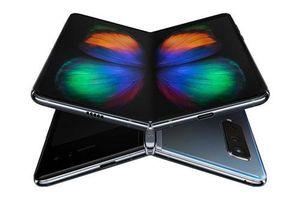 Trên tay Samsung Galaxy Fold giá gần gấp đôi iPhone 11 Pro