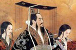 Vì sao Tần Thủy Hoàng 'cuồng' long bào màu đen huyền bí?