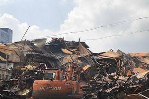 Vụ cháy Rạng Đông: Đã thu gom được 12 tấn phế thải nhiễm độc