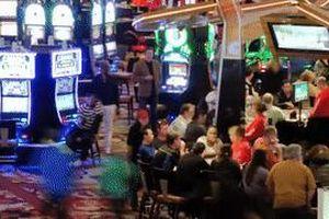 Cách các sòng bạc Las Vegas 'hack não' con bạc chơi lớn hơn
