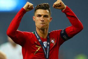 Ronaldo được đối thủ ca ngợi trước ngày phá kỷ lục ghi bàn