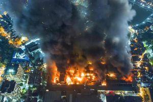 Ai hưởng lợi từ 'hậu quả' vụ cháy Công ty Rạng Đông?