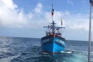 Một ngư dân tử vong do ngộ độc trên biển