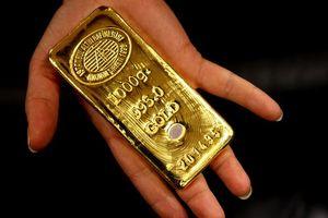 Giá vàng không ngừng tăng do kỳ vọng nới lỏng chính sách tiền tệ