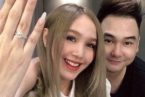 Bạn gái kém 13 tuổi của Xemesis - 'streamer giàu nhất Việt Nam' khoe nhẫn cầu hôn, lại sắp có đám cưới to to để 'hóng' rồi!