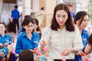 Hoa hậu Đặng Thu Thảo đi cùng Shark Lê Đăng Khoa về Bạc Liêu