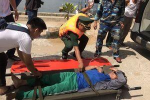 5 ngư dân Đà Nẵng ngộ độc cá trên biển, 1 người chết