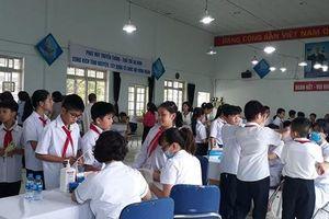 Khám sức khỏe miễn phí cho gần 2.000 học sinh sau vụ cháy Công ty Rạng Đông