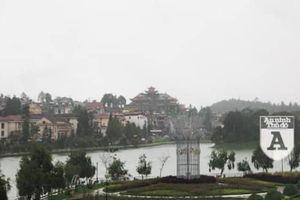 'Thành phố sương mù' Sa Pa ồn ã trong một chiều mưa