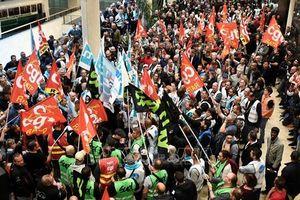 Pháp: Bãi công lớn, giao thông hỗn loạn