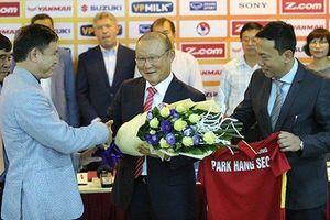 VFF nói gì về việc báo Hàn tiết lộ điều khoản đặc biệt trong bản hợp đồng mới của HLV Park Hang-seo?