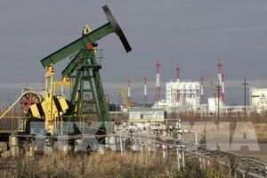 Lo ngại dư cung, giá dầu rớt mạnh tuần qua