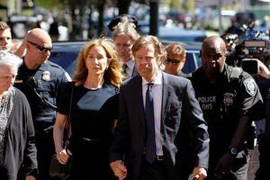 Nữ diễn viên Felicity Huffman bị kết án 2 tuần tù giam