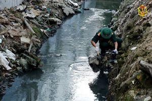 Bùn, nước thải quanh Công ty Rạng Đông sẽ được đưa đi đâu?